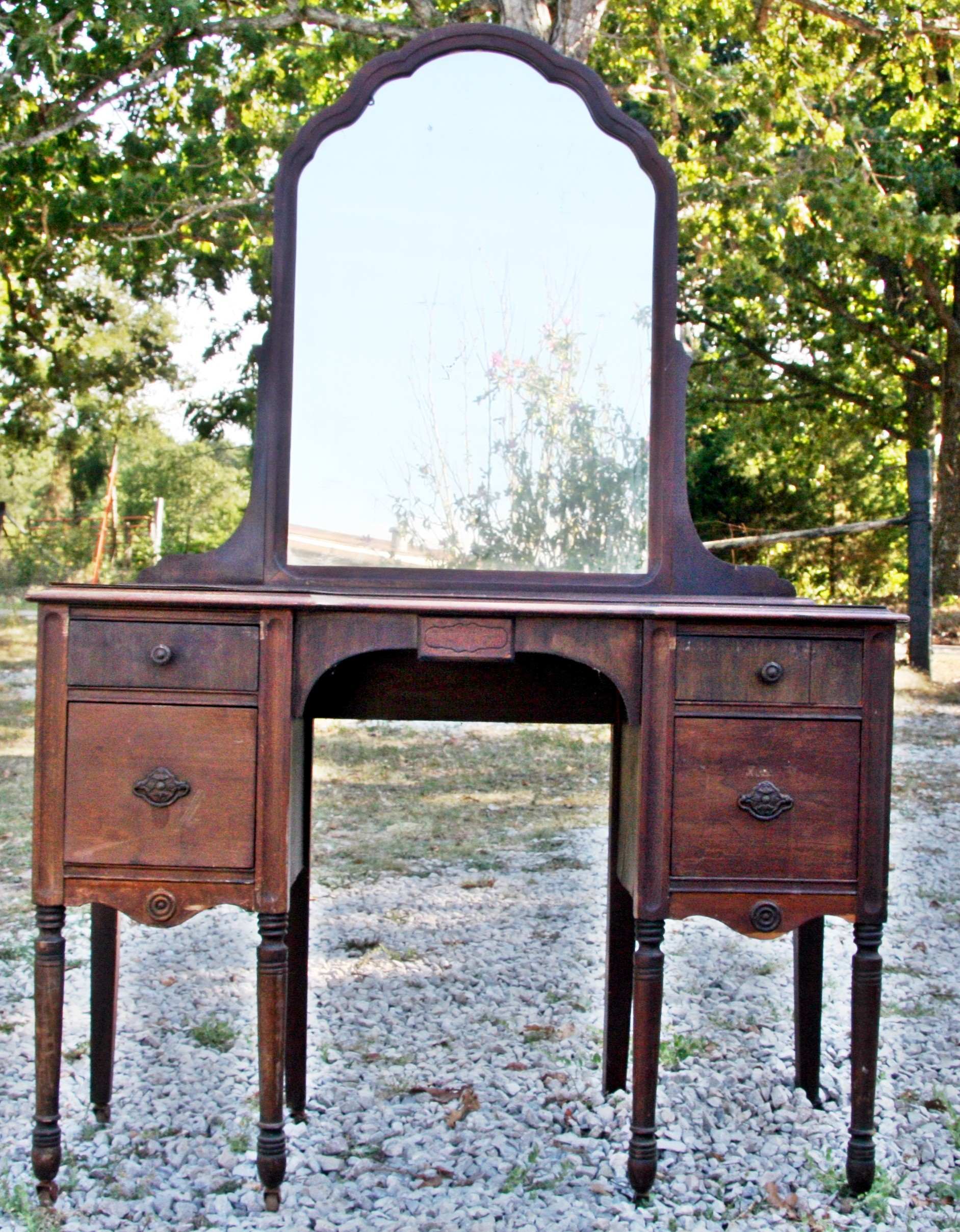 antique vanity for sale Coming Soon – Another Yard Sale ! | Sam I Am Blog antique vanity for sale