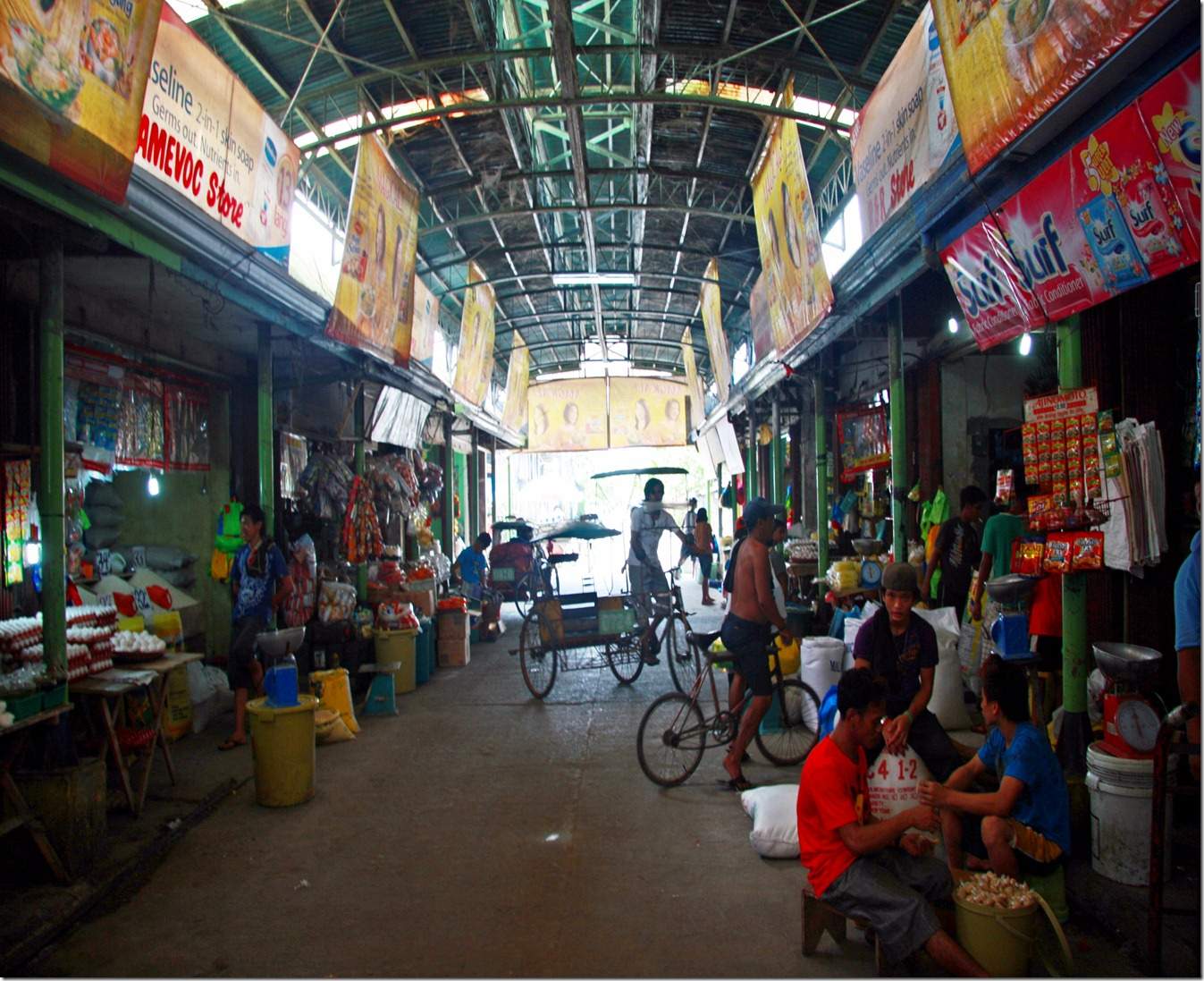 ONE SECTION OF THE PALO PUBLIC  MARKET_8277
