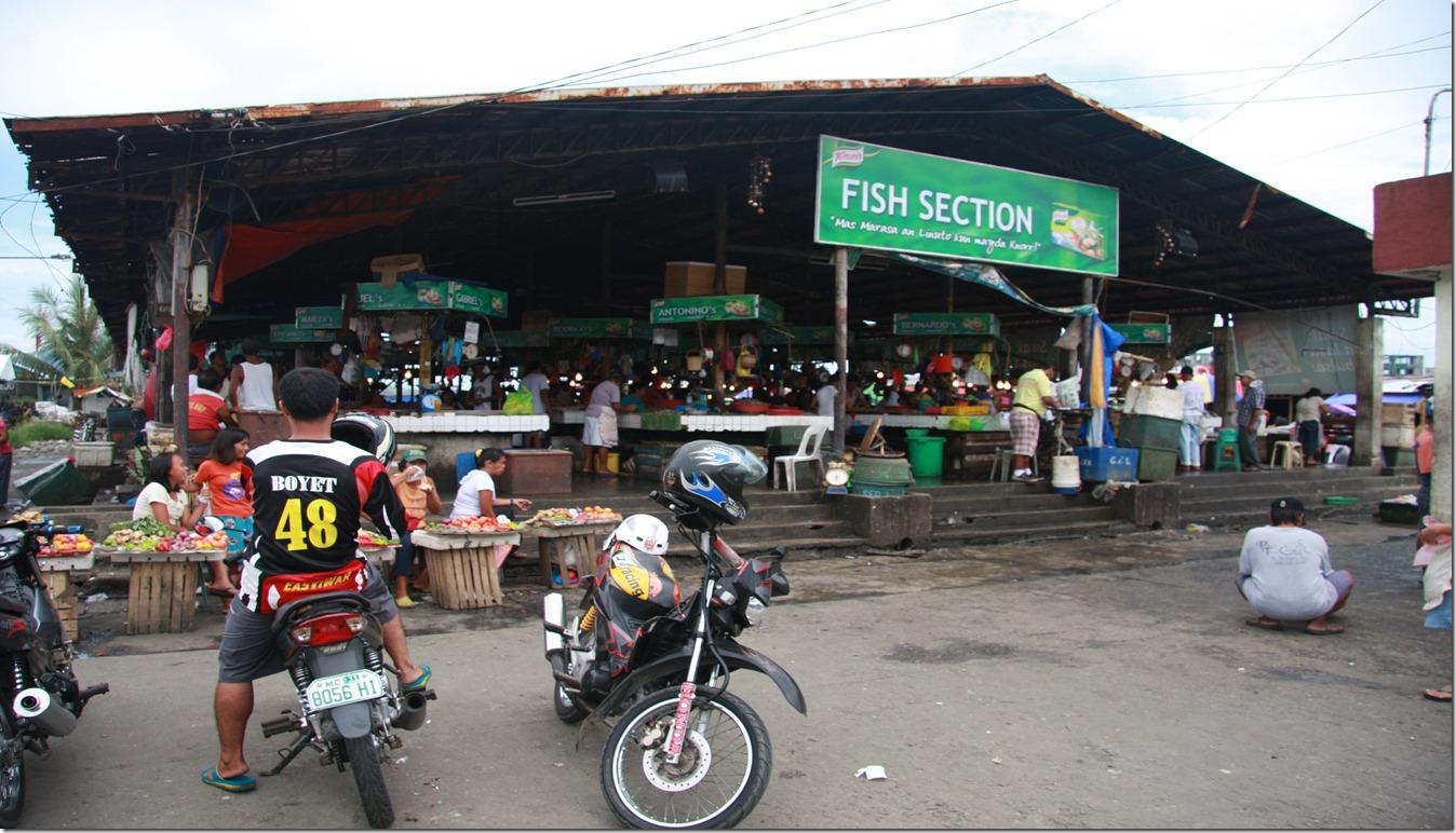 TACLOBAN CITY PUBLIC MARKET FISH SECTION_8215