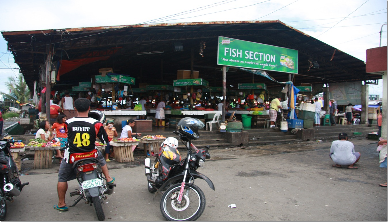TACLOBAN CITY PUBLIC MARKET FISH SECTION_8215