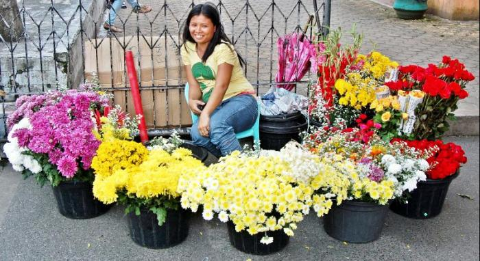 Photography Patrol – Lady Flower Vendor at the Santo Nino Church in Tacloban City–Photos by Samuel E. Warren Jr.