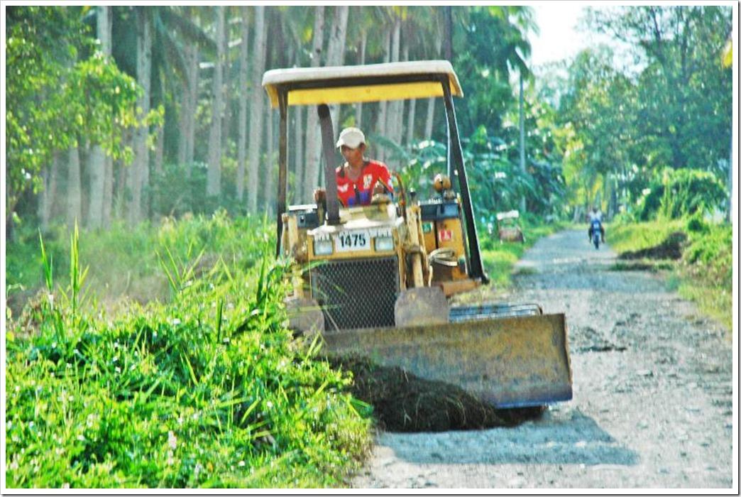 BARANGAY CAMERI ROAD CONSTRUCTION_3127_resized
