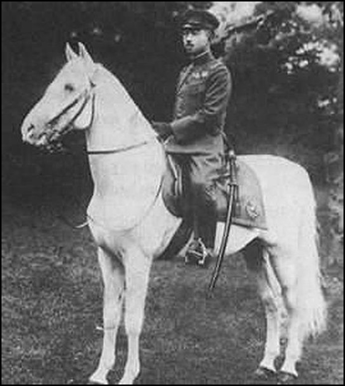 EMPEROR HIROHITO IN MILITARY UNIFORM ON HORSEBACK thCAUFZSLN_resized
