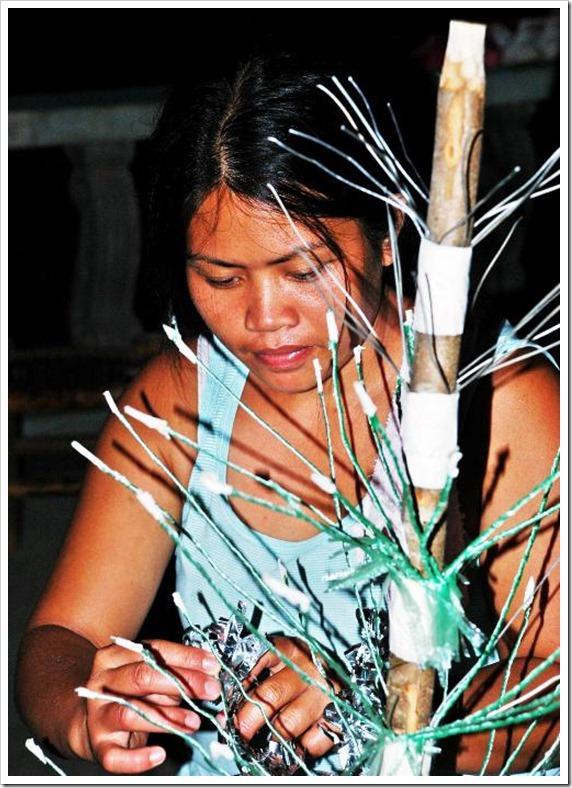 LENEIL WRAPS A TREE BRANCH_3083_resized