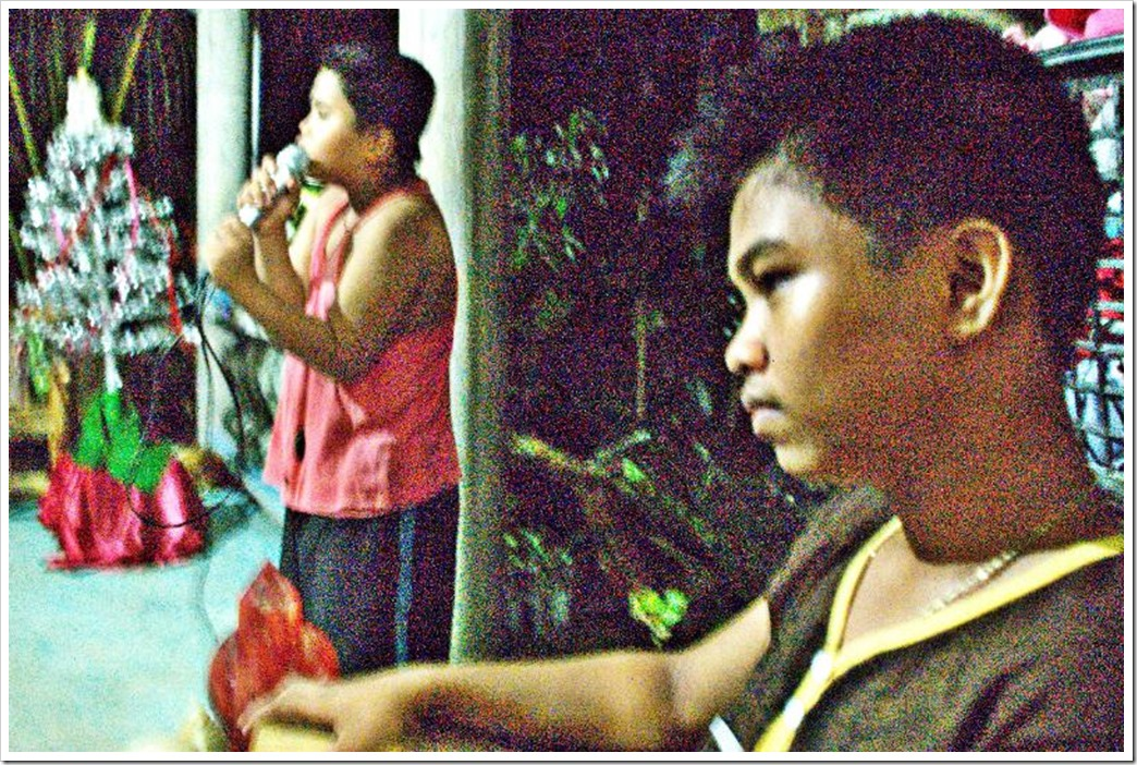 RANYIEL SINGS RANILO LISTENS AND WATCHES THE KARAOKE_resized